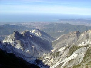 carrara-cave-marmo