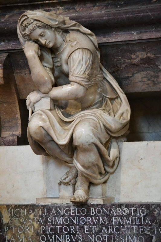 Firenze-Santa-Croce-Tomba-di-Michelangelo-particolare