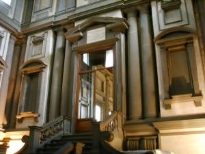 Biblioteca_medicea_laurenziana_vestibolo_02