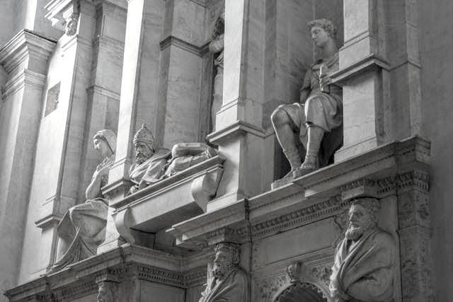 San Pietro in Vincoli tomba Giulio II Michelangelo new 097 (2).jpg