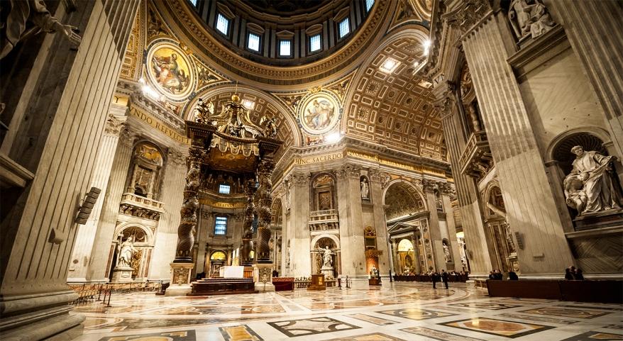 basilica_di_s.pietro-_baldacchino_altare.jpg