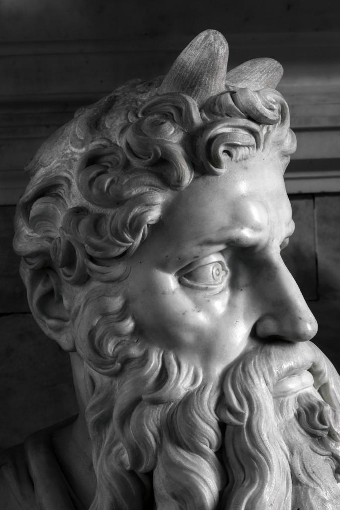Mosè-Mausoleo-di-Giulio-II-003-683x1024