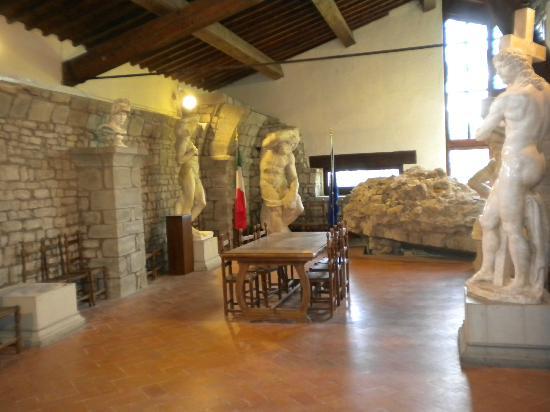 Museo Michelagiolesco - sala interna.jpg
