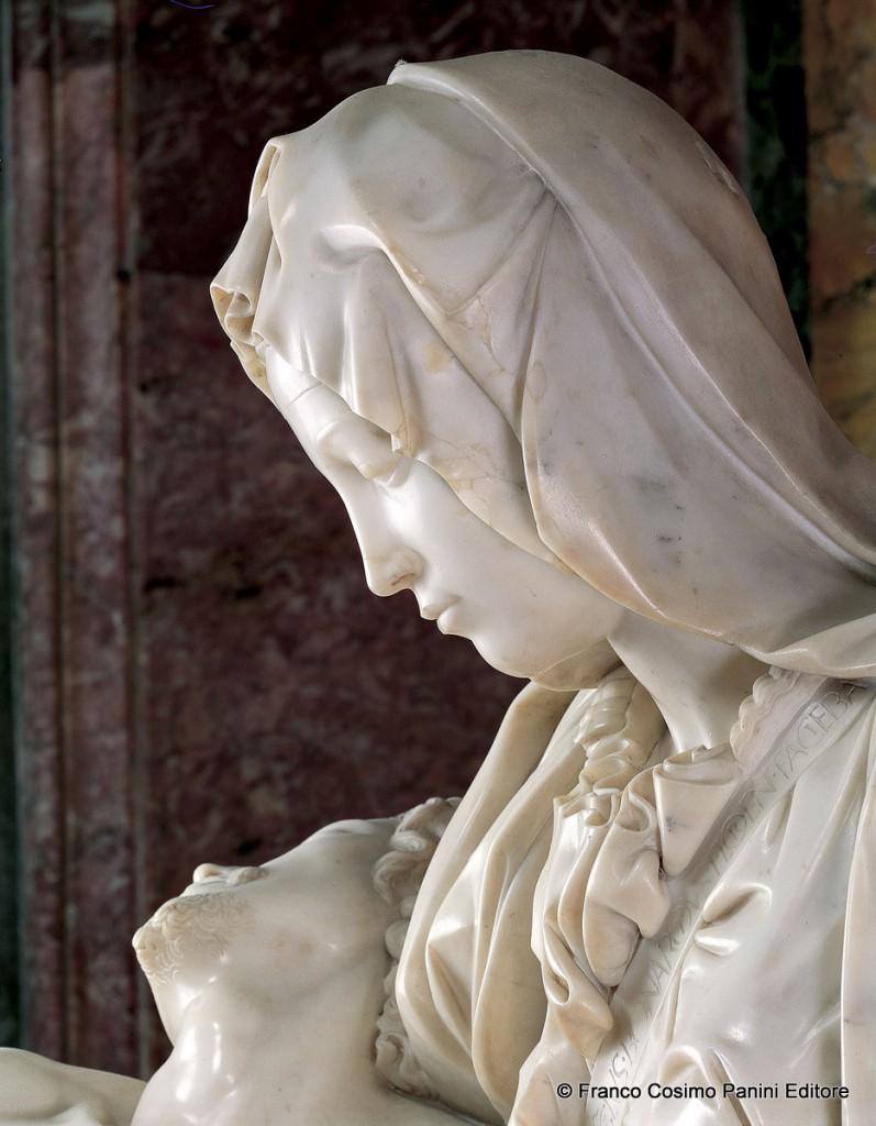 Michelangelo-Pietà-San-Pietro-in-Vaticano-4-797x1024.jpg