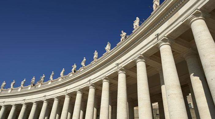Colonnato-di-San-Pietro.jpg